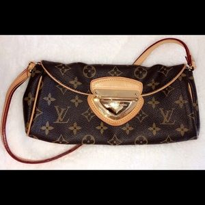 Louis Vuitton Beverly Clutch NEW CONDITION